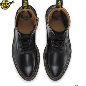 ISO Doc Martens Alix Boot in US 7
